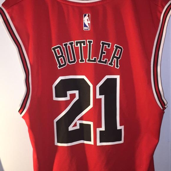 wholesale dealer ebbb2 b7abd Jimmy Butler bulls jersey large
